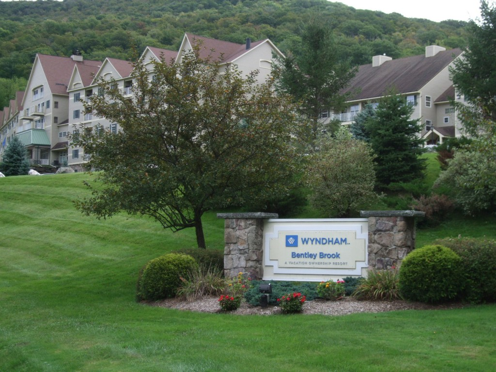 Wyndham resort at fairfield glade is home to stonehenge for Wyndham at home